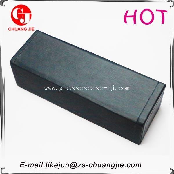 ChuangJie 8144 Black PU Handicraft Glasses Case